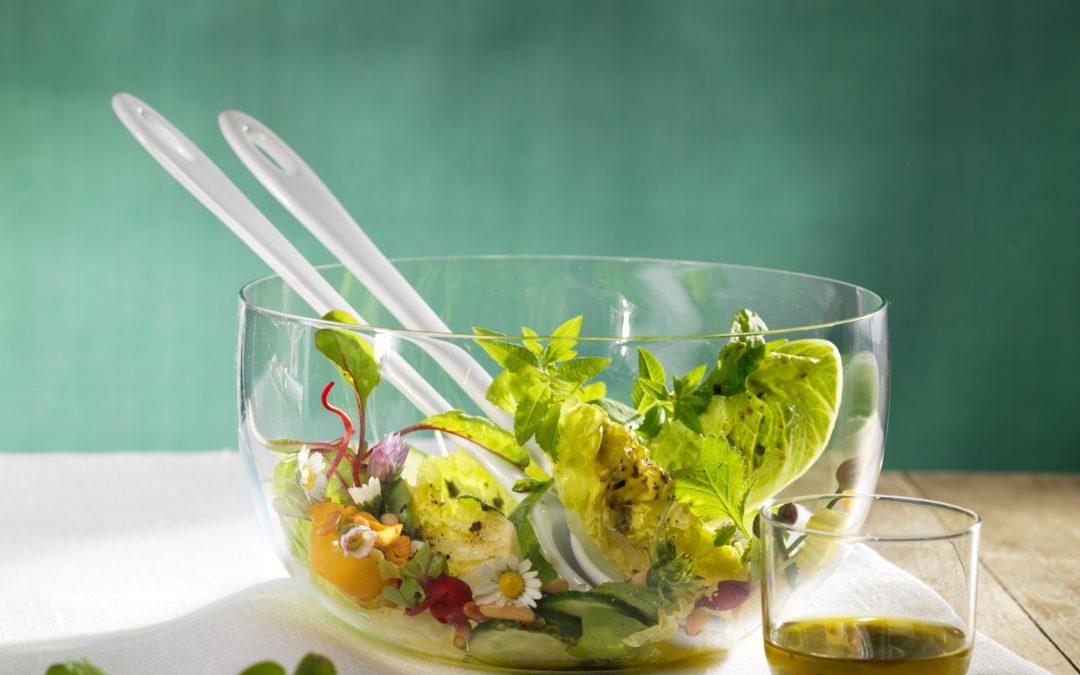 wilder Kräutersalat mit Herbaria wilde Hilde